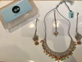 SIA Jewellery Necklace, Earrings & Tika Set