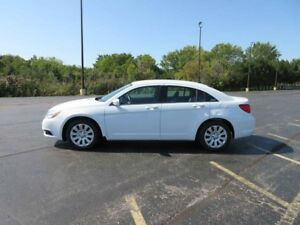 2013 Chrysler 200 LX FWD