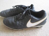 Nike Tiempo Moulded football boots