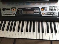 Yamaha PSR 175 with a stand for sale