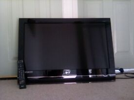 "32"" LG TV (HD) with remote control (with wall bracket)"
