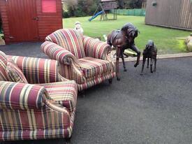STUNNING 2 + 1 + 1 Antique Design Sofa set