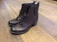 Lace-up boots - brand new - size 6