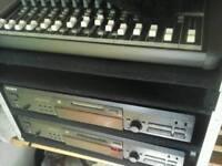 Makkie mixing desk