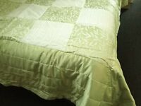 Green Double Bedspread/Comforter by Kaleidoscope 243cmx264cm with Matching Pillowcases - Brand New