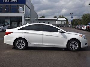 2013 Hyundai Sonata GL | NO ACCIDENTS | HEATED SEATS & BLUETOOTH Stratford Kitchener Area image 11