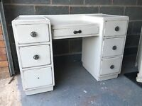Distressed style dressing table with mirror!