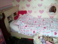 Full child's bedroom set