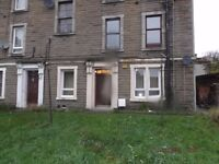 Bedrooms available in a three bedroom accommodation within walking distance to city center