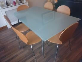 Modern dining room table and 6 chairs