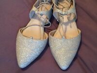 Gold, pointy, glittery flat shoes
