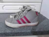 Girls Adidas trainers size 13.5 hardly worn