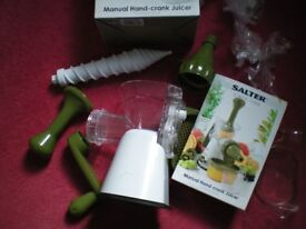 Fruit and vegetable juicer. Salter Hand Crank Juicer. Unused, boxed, totally complete, with manual.