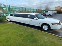 Lincoln Town Car Stretch Limousine White Full Mot