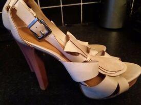 Ladies top shop leather hi heel sandals