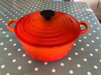 Le Creuset 2 litre cast iron casserole pan with lid