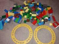 185 pieces of duplo/megablocks