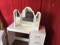 WHITE WOODEN DRESSING TABLE WITH MIRROR AND BEDSIDE UNI,CAN DELIVER