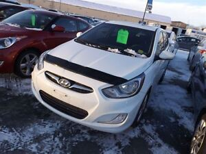 2012 Hyundai Accent GLS | SUNROOF | NO ACCIDENTS | HEATED SEATS