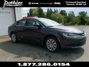2016 Chrysler 200 LX | FWD | CLOTH | UCONNECT | BLUETOOTH |
