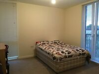 Short let a nice double room in Kilburn.