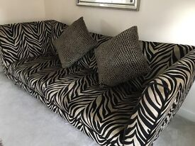 sofa couch and chair suite / set boutique