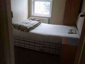 BEAUTIFUL FURNISHED DOUBLE ROOM FOR A SINGLE PERSON