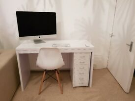 Desk white hi gloss brand new