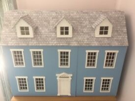 Large 7 Room Dollhouse in excellent condition