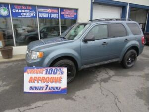2010 Ford Escape XLT  MANUEL 4 CYLINDRES