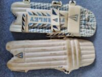 Cricket - Batting Pads 1 pair of Boys pads