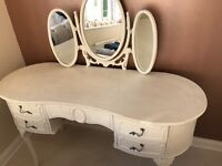 White cream dressing table with triple mirror