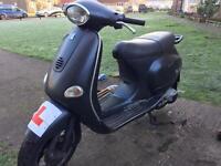 Vespa et4 piaggio moped 125cc yamaha scooter
