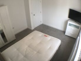 big double room in luxury house in broomfield road
