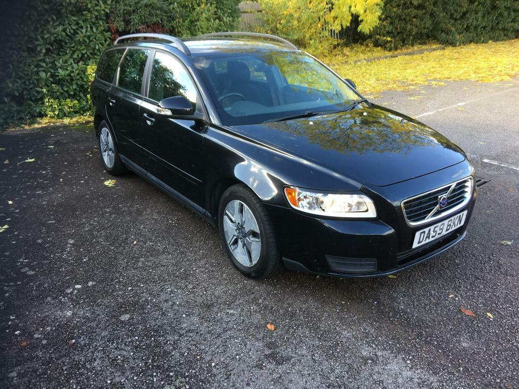 Volvo v50 1.6 Diesel-estate-59 plate-full Volvo sh+only £30 year road tax-1 owner-px welcome