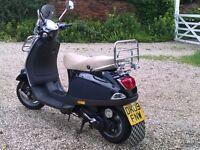 Summer, sun, Vespa-fun! Vespa LX 50 cc with lots of extras!