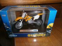 SUZUKI Model Motorbike RM250 by Welly