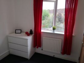 Spacious single room in a converted property on the new build Lunt estate in Bilston