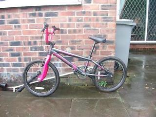Grey/Pink girls stunt bike