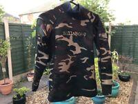 Men's Billabong Camouflage reversible thermal rash vest, size is M (Medium)
