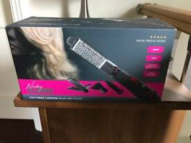 Blow dry styler