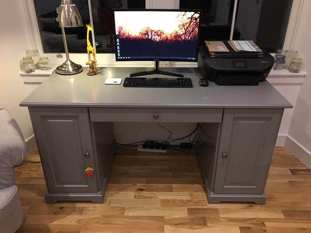 Computer/work desk