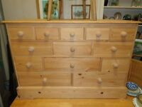 Solid pine combination drawer unit