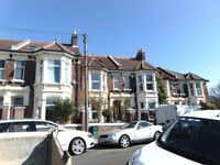 TOP QUALITY 2 BED FLAT TO LET £800 PER MONTH
