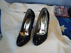 Black Sequin Stiletto Heeled Shoes : Size 4