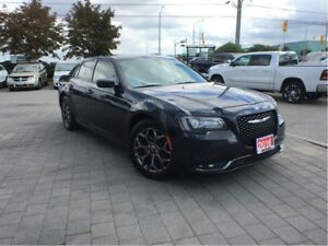 2016 Chrysler 300 S**ALL WHEEL DRIVE**PANORAMIC SUNROOF**