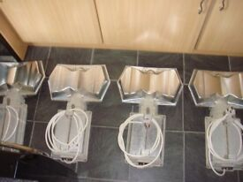 FOR SALE GROW LIGHTS X4 POOT GROWLIGHTS HYDROPONICS HORTICULTURE 600W GAVITA PLUG AND PLAY