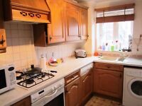 ONE BED FLAT IN ISLE OF DOGS WITH PRIVATE PARKING AVAILABLE 4TH AUGUST RESERVE NOW