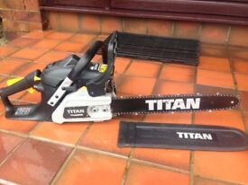 PETROL CHAINSAW - TITAN TTL632CHN 40CM 35CC - GOOD CONDITION