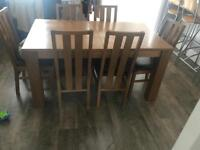 Table with x6 chairs